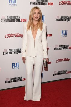 Kate Hudson arrives at the 29th American Cinematheque Award Honoring Reese Witherspoon at the Hyatt Regency Century Plaza on October 30, 2015 in Los Angeles, California.
