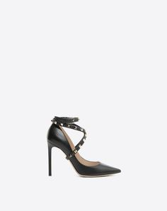 Discover the Studwrap kidskin pump 105 mm for Woman. Find the entire collection at the Valentino Online Boutique and shop designer icons to wear. Valentino Heels, Valentino Women, Valentino Garavani, Lambskin Leather, Leather Pumps, Calf Leather, Black Leather, High Heel Pumps, Bags