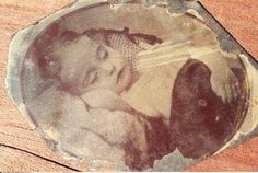 Photo Detective with Maureen A. Taylor - Birth and Death in the Family Album: Readers Respond Victorian Photos, Victorian Era, Vintage Photos, Memento Mori, Post Mortem Pictures, Joy And Sadness, Post Mortem Photography, Birth And Death, Old Photographs
