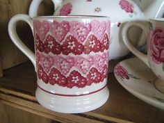 Doily 0.5 Pint Mug (Studio Special sold online 2007) Discontinued