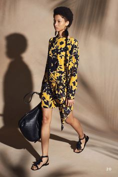 See the complete Michael Kors Collection Resort 2018 collection.