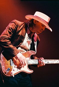 Stevie Ray Vaughan ( Stevie Ray Vaughan and Double Trouble , The Vaugh. Brothers ) guitar GOD.