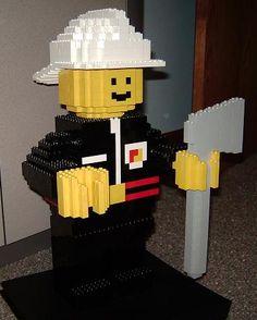 Google Image Result for http://brickplayer.com/blog/wp-content/uploads/2008/02/lego_fire_minifig_1.JPG