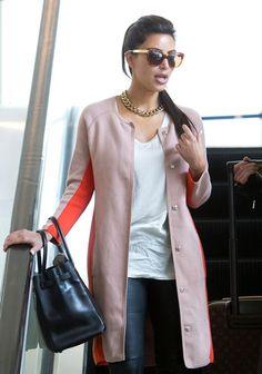 Love this contrast colour coat.