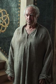 "Game of Thrones: High Sparrow (Jonathan Pryce) season 6 episode 6 ""Blood of My Blood"" Game Of Thrones Facts, Game Of Thrones Costumes, Got Game Of Thrones, Game Of Thrones Quotes, Game Of Thrones Funny, Acteurs Game Of Throne, Game Of Thrones Wallpaper, Actors Then And Now, Watchers On The Wall"