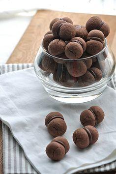 Chocolate Hazelnut Cookies (Baci di dama cocoa)