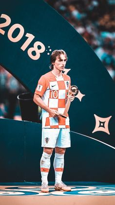 """""""King of Croatia, Luka Modric! Edited by me. Football Is Life, Sport Football, Football Players, Soccer, Equipe Real Madrid, World Cup Russia 2018, Chelsea, Best Player, Fifa World Cup"""