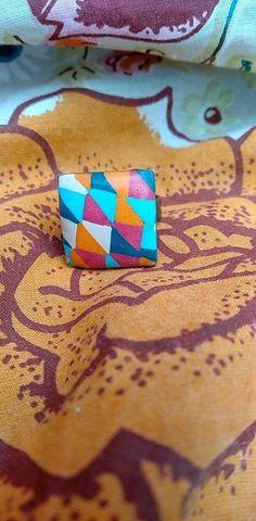 Voici une bague arlequin petit modèle pour les doigts fins en pâte polymère fimo. Multicolore et dynamique carrée  bague ajustable modèle unique Voici, Friendship Bracelets, Etsy, Unique, Jewelry, Orange Color, Fingers, Fantasy, Handmade