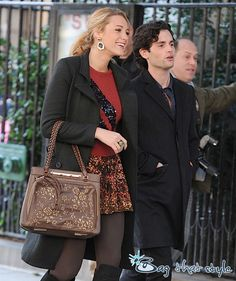 The Many Bags of Blake Lively Valentino Demetra Tote Valentino Purse, Beautiful Handbags, Colourful Outfits, Blake Lively, Gossip Girl, Fashion Handbags, Satchel, Take That, Celebs