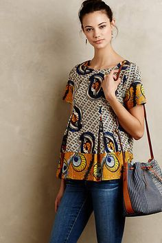 Latest African fashion clothing looks Tips 2198631776 African Inspired Fashion, African Print Fashion, Africa Fashion, Ethnic Fashion, Fashion Prints, Fashion Design, African Prints, Fashion Styles, African Print Top