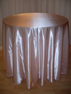 Pink Petal Shiny Satin #linen #chairdecor #linenfactory #event #finelinen #tabledecor