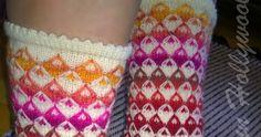 Taas lenkkineuletta, mutta toisella tavalla...   Netin syövereistä löysin kuvan tästä neuleesta, mutta unohdin laittaa ylös lähteen. Siis ku... Socks, Fashion, Mosaic Madness, Stockings, Moda, Fashion Styles, Sock, Fashion Illustrations, Boot Socks