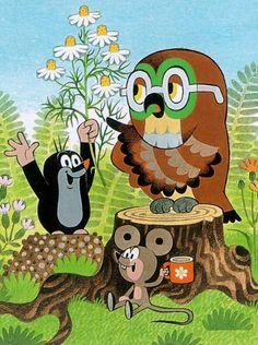 (2014-09) Muldvarpen har blomster med til uglen, musen drikker af en kop