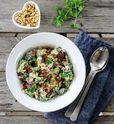BROKKOLISALAT | TRINES MATBLOGG Pasta Salad, Cobb Salad, Side Dishes, Bacon, Bbq, Food And Drink, Snacks, Ethnic Recipes, Foods