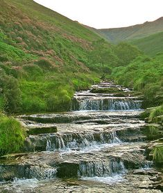 Waterfall at Fairbrook, Peak District, England English Countryside, Cool Places To Visit, Beautiful Landscapes, The Great Outdoors, Landscape Photography, National Parks, Beautiful Places, Scenery, Around The Worlds
