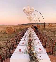 Fall is in the air and our bellies. It's hard to beat the beauty of an al fresco gathering (the proof is in the pudding ☝️)… Wedding Ceremony Decorations, Wedding Venues, Table Decorations, Decor Wedding, Destination Wedding, Perfect Wedding, Dream Wedding, Wedding Day, Church Wedding