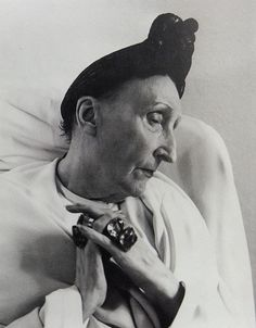 Dame Edith Sitwell  light color sound: electric eel