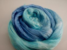 Mulberry Silk Roving Top Hand Dyed 20 grams for spinning, felting fibre, needle felting, 2077 Blue Aqua by feltfibrecraft on Etsy