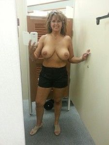 Moms dressing room nude selfies