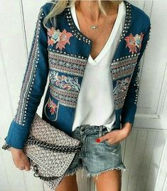Related posts:Crop top and denim shortsLovely boots, jeans, black blouse and fur vestTraditional outfit for the end of summer Denim Fashion, Look Fashion, Fashion Outfits, Womens Fashion, Fashion Design, Milan Fashion, Fashion Tag, Leather Fashion, High Fashion