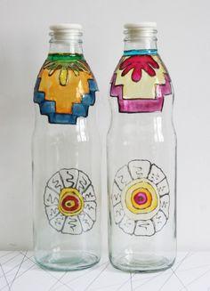 Botellas de vidrio decoradas con pintura vitral | MercadoLimbo.com