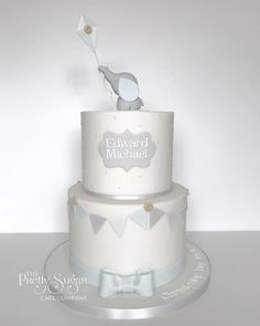 Delighted to be asked to make this Christening cake for Edward after making his Mum and Dad's wedding cake last year 💙 hope you have a lovely day celebrating! Dumbo Baby Shower, Elephant Baby Shower Cake, Elephant Cakes, Baby Shower Cakes For Boys, Baby Boy Cakes, Baby Boy Christening Cake, Cake For Baptism Boy, Dumbo Cake, Gateau Baby Shower