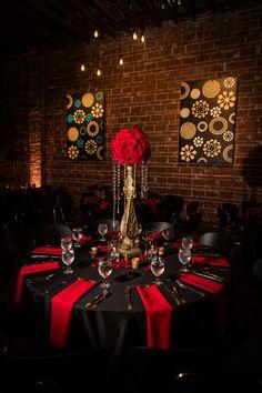 Black and Red Decor Beautiful Great Gatsby Inspired Indoor Wedding Reception Decor Black Wedding Themes, Black Red Wedding, Gold Wedding, Wedding Table, Black Weddings, Maroon Wedding, Gothic Wedding, Burgundy Wedding, Spring Wedding