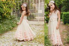 @Sara A ... love this website.  Beautiful flower girl dresses! :)