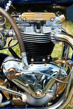 Triumph Trophy, single carb.