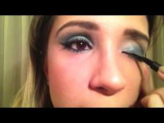 Maquiagem nos olhos: como fazer traçado gatinho com durex