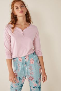 Plain cotton t-shirt. Long sleeves and Henley neck. Capri, Lisa, Pyjamas, Nightwear, Lounge Wear, Floral Tops, Sportswear, Womens Fashion, Long Sleeve