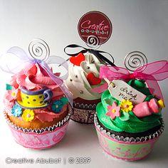 Alice in Wonderland cupcakes!