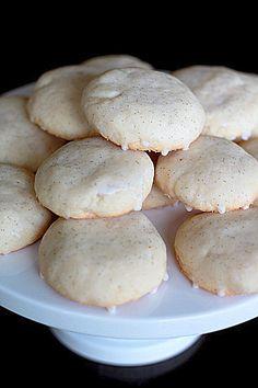 Glazed Vanilla Bean Cookies | Kitchen Treaty