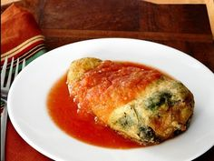 Chiles rellenos.- is a Mexican dish that is filled from the most traditional cheese whichever is your favorite to melt and even meat, beans, mushrooms and almost everything....is delicious