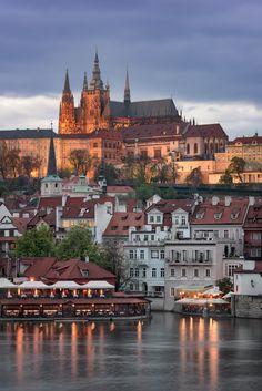 Prague Castle and Saint Vitus Cathedral in the Evening, Prague, Czech Republic [OC] City Aesthetic, Travel Aesthetic, Prague Castle, Prague Cathedral, Prague City, Prague Travel, Prague Czech Republic, Voyage Europe, Beaux Villages