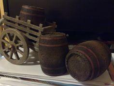 Miniaturas para el Belén: Carro y Toneles de Vino (2) Adventure World, Miniature Houses, Miniture Things, Dollhouse Miniatures, Christmas, Dollhouses, Minis, Medieval, Google