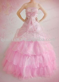 Yes, I've always thought a pink dress would be amazing!!