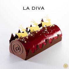 Xmas Desserts, Fancy Desserts, Delicious Desserts, Creative Cake Decorating, Creative Cakes, My Dessert, Eat Dessert First, Christmas Cake Designs, Log Cake
