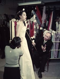 Christian Dior 1950s Fashion rare photographs in colour. #vintage #dresses #1950s #fashion