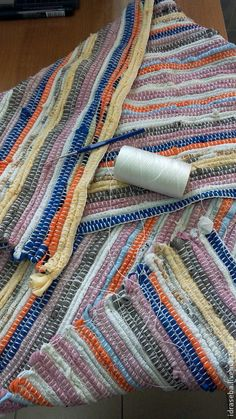 Crochet Home, Crochet Yarn, Fabric Crafts, Sewing Crafts, Rug Loom, Rag Rug Tutorial, Scrap Material, Crochet Decoration, Crochet Flower Patterns