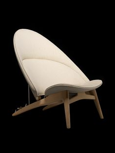 Stuhl-Prototyp Hans J Wegner 2014 beige