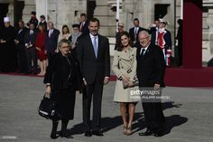 King Felipe VI and Queen Letizia of Spain greet Israeli President Reuven Rivlin (R) and his wife Nechama Rivlin (L) during a welcoming ceremony at the Royal Palace in Madrid on November 6, 2017. /
