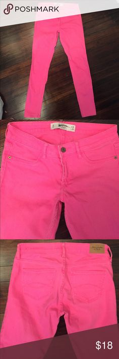 FINAL PRICE! Abercrombie & Fitch Hot Pink  jeans! Excellent condition. SIZE 2 R.  W 26 L 29.  Sure to be noticed. Slight stretch to them. Abercrombie & Fitch Jeans Skinny