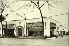 The circa 1929 photo on the left is of the Packard Dealership on The Alameda. See the cars on display in the window on the right? The building was renovated and returned to its former glory in The photo on the right was taken after restoration. Santa Clara County, Car Dealerships, Local History, San Jose, Then And Now, Old Pictures, Bay Area, American History, Restoration