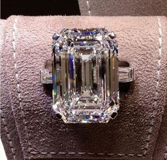 33 carat flawless Graff diamond ring ~ Magnificent, I wouldn't mind wearing this :) Diamond Rings, Diamond Engagement Rings, Diamond Jewelry, Diamond Cuts, Diamond Trade, Solitaire Rings, Ruby Rings, Black Diamond, Engagement Ring Etiquette