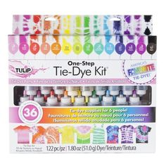 Tulip 32378 One Step Tie-Dye Kit. Kit includes enough tie-dye supplies for a party of 6 people Features 18 easy-squeeze bottles of highly-concentrated nontoxic One-Step dyes in popular colors – just add water to activate Fête Tie Dye, Tulip Tie Dye, Tie Dye Party, Tie Dye Kit, How To Tie Dye, Tie And Dye, Tye Dye, Tie Dye Supplies, Party Supplies
