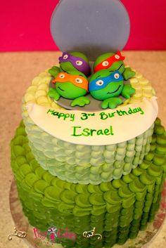 Square Present Birthday Cake With Stripes And Sugar Bow Picture cakepins.com