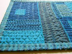 A recycled denim quilt / rug / trivet? Kantha Quilt, Rag Quilt, Quilting Projects, Sewing Projects, Sashiko Embroidery, Denim Crafts, Textiles, Running Stitch, Recycled Denim
