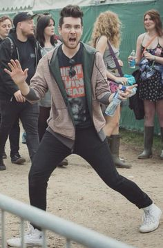 Hi my name is dan smith and I don't know what to do with my body