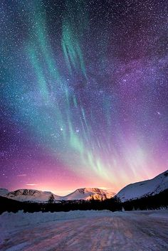 Northern Norway aurora boreal is Beautiful Sky, Beautiful World, Beautiful Places, Beautiful Norway, Amazing Places, Beautiful Scenery, Beautiful Lights, Aurora Borealis, Amazing Nature